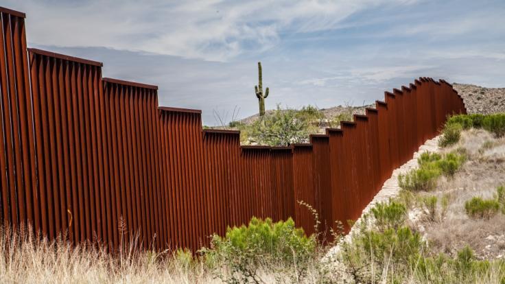 Eine schwangere Schönheitskönigin ist in Mexiko von einer Mauer gestürzt. (Symbolbild) (Foto)