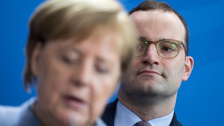 Sind die Fußstapfen, die Angela Merkel als Kanzlerin hinterlässt, zu groß? (Foto)