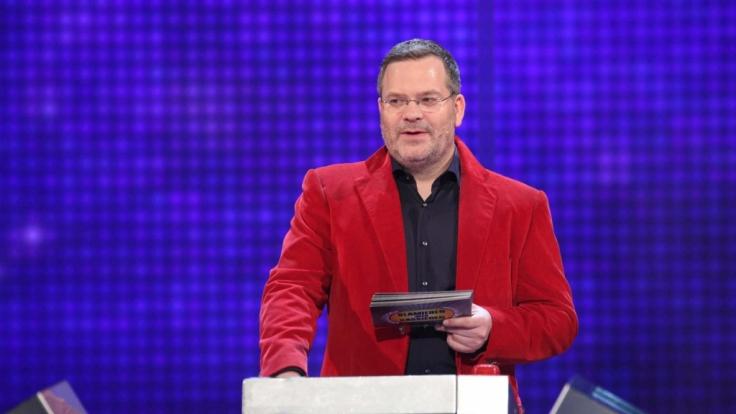 """Der ehemalige """"Showpraktikant"""" Elton führt bei """"Schlag den Star"""" als Moderator durch die Sendung. (Foto)"""
