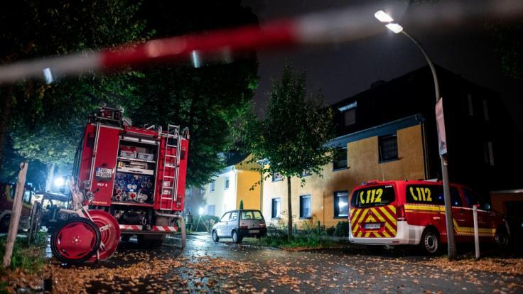 Bei einer Wohnungsdurchsuchung im Dortmunder Stadtteil Lütgendortmund entdeckten Spezialisten des Landeskriminalamtes und der Dortmunder Kriminalpolizei mehrere verdächtige Stoffe, in den Abendstunden auch Munition aus dem Zweiten Weltkrieg. (Foto)