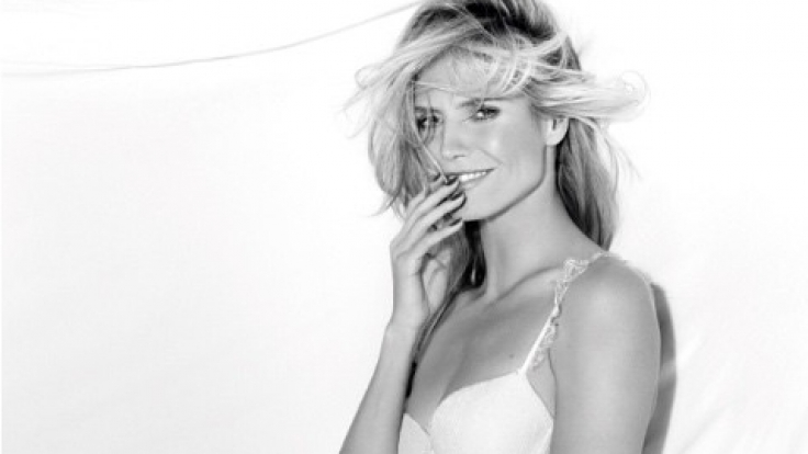 Heidi Klum zeigt sich wieder knapp bekleidet. (Foto)