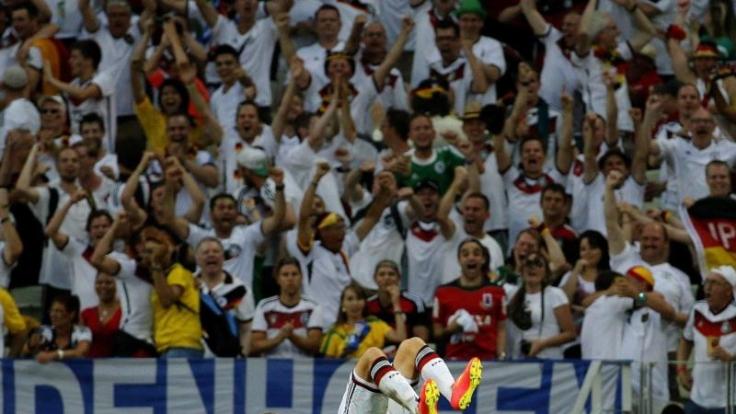 Salto nationale: Miroslav Klose feierte seinen 15. Treffer bei einer Weltmeisterschaft mit einem Salto.