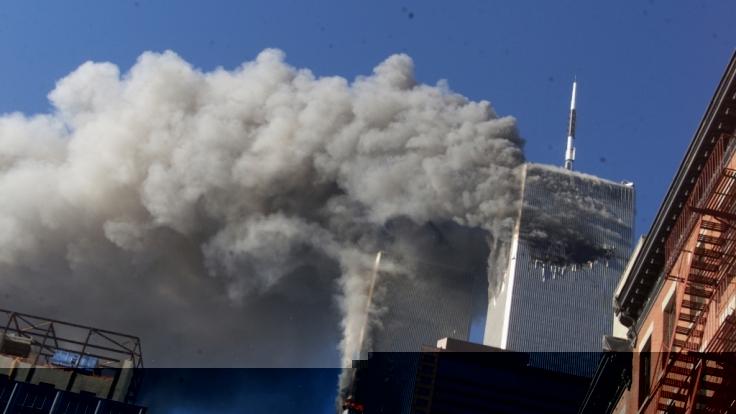 Die Nachrichten des Tages bei news.de: Heute vor 20 Jahren flogen zwei entführte Passagiermaschinen in das World Trade Center. Sein Kernstück bildeten die weltbekannten Zwillingstürme. (Foto)