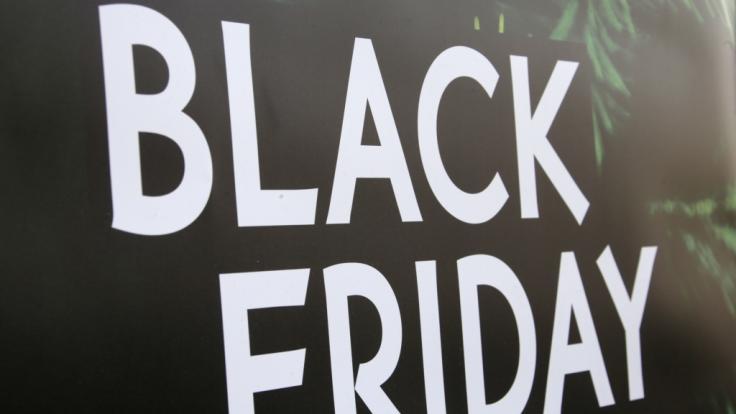 Bei Amazon, Media Markt und Co. gibt es schon heute Black-Week-Schnäppchen. (Foto)