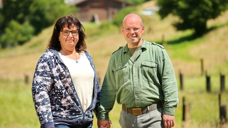 """Zwischen """"Bauer sucht Frau""""-Kandidatin Cornelia (50) und Landwirt Bernd-Udo (41) hat es schwer gefunkt. (Foto)"""