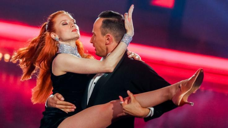 """Barbara Meier tanzte in der 11. Staffel von """"Let's Dance"""" mit Profitänzer Sergiu Luca - allerdings nicht zu Originalmusik. (Foto)"""