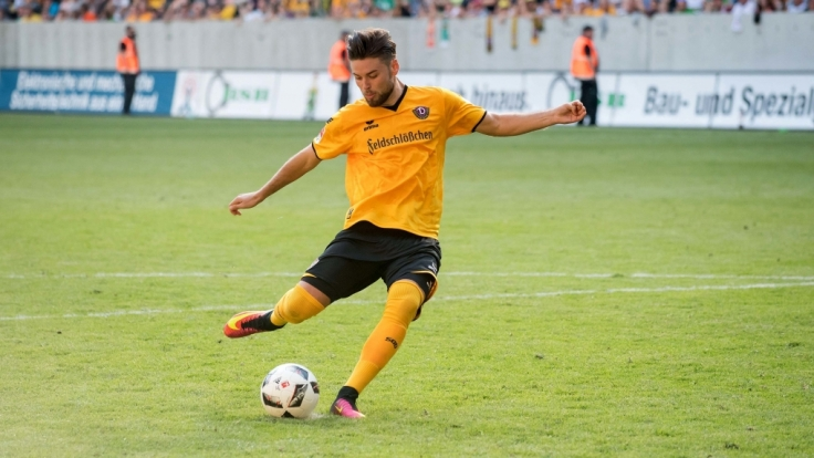 Dresdens Niklas Kreuzer beim Dresden Cup gegen SV Werder Bremen. (Foto)
