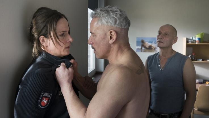 """""""Angst in meinem Kopf"""": Sonja Brunner (Claudia Michelsen) ist der Kaltblütigkeit Michael Zeuners (Ralph Herforth) nicht gewachsen. (Foto)"""
