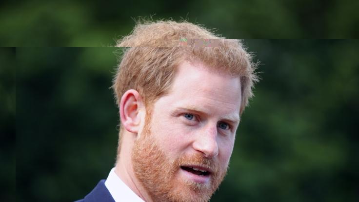 Prinz Harry hat während seiner Afrikareise mit Meghan Markle einen ungewohnt intimen Einblick in sein Seelenleben gegeben. (Foto)