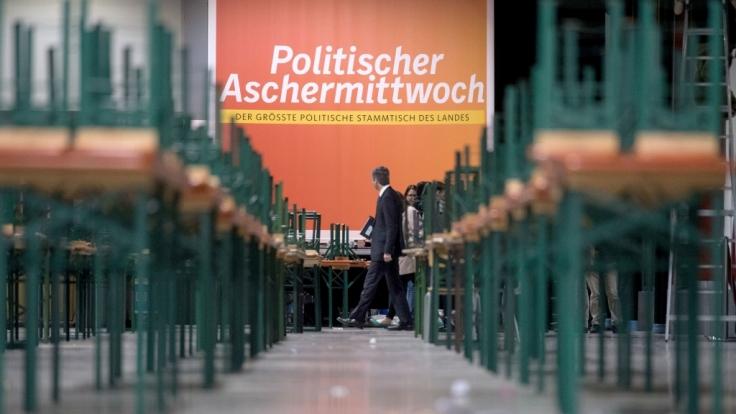 Der politische Aschermittwoch 2018 wird ohne Horst Seehofer und Martin Schulz stattfinden.