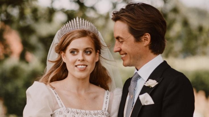 Grüßen als Eheleute: Prinzessin Beatrice von York und Edoardo Mapelli Mozzi.