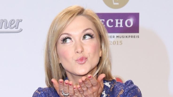 Schlager-Sternchen Linda Hesse schwebt auf Wolke 7. (Foto)