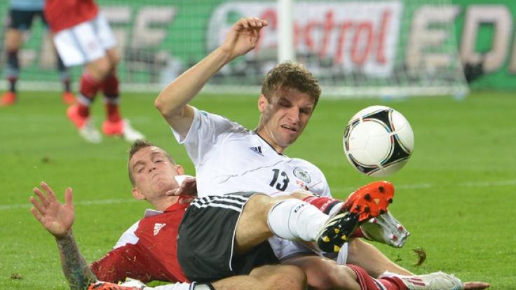 2012 mussteDeutschland bereitsgegen Dänemark auf den Platz.