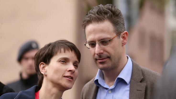 Frauke Petry wurde abgewatscht - Ehemann Pretzell hat in NRW einen schweren Stand.