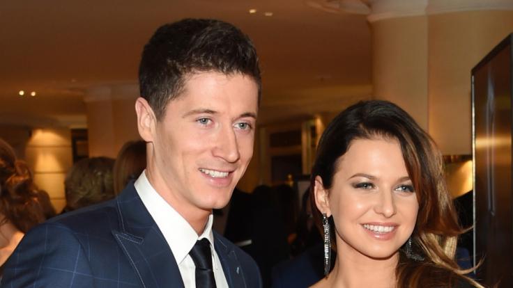 Robert Lewandowski und Frau Anna. (Foto)