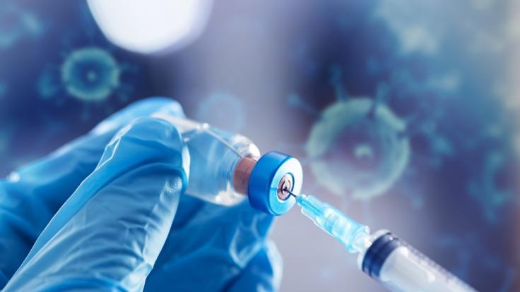 Bei welchen Symptomen sollte man nach einer Impfung zum Arzt gehen. (Foto)