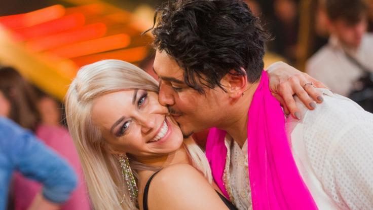 """Oana Nechiti und Erich Klann sind auch neben """"Let's Dance"""" ein starkes Team. (Foto)"""