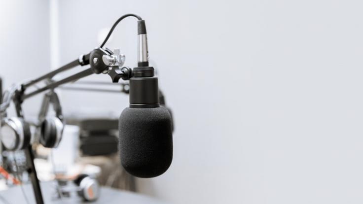 Der britische Radiomoderator Pete Mitchell ist unverhofft im Alter von nur 61 Jahren gestorben (Symbolfoto).