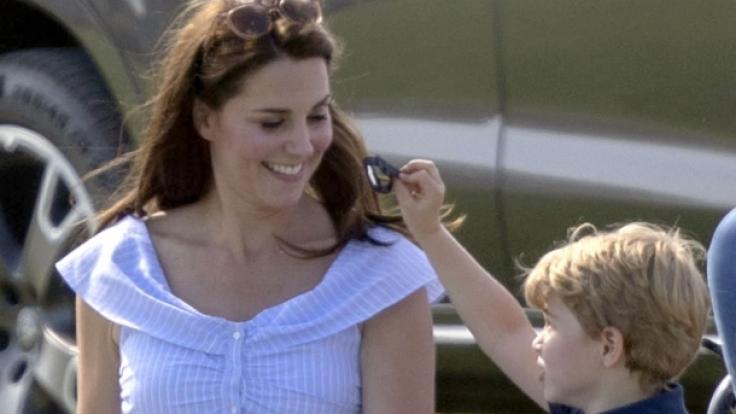 Zuckersüß: Prinz George mit seiner Mutter, Herzogin Kate, beim Spielen.