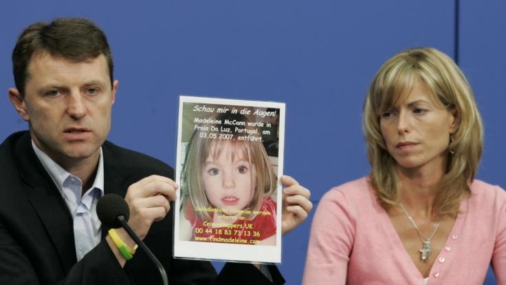 Kate und Gerry McCann 2007 in Berlin während einer Pressekonferenz in Berlin. (Foto)