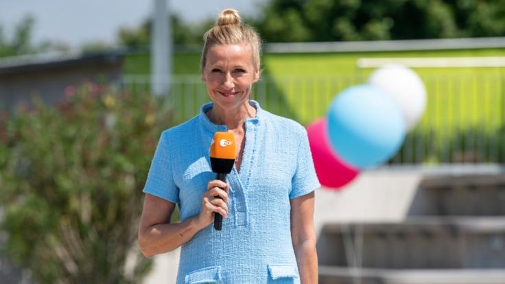 """Andrea Kiewel sagt auf Wiedersehen: Die """"ZDF Fernsehgarten""""-Sendung am 26.09.2021 ist die letzte in der diesjährigen Sommersaison. (Foto)"""