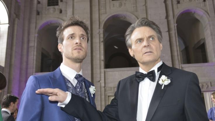 Felix und Gerner sind geschockt, als Chris plötzlich bei der Hochzeit auftaucht.