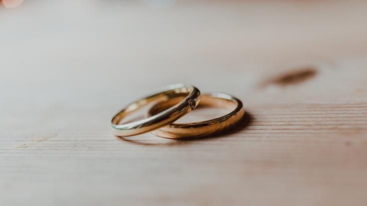 Um Schulden zu begleichen, wurde eine 12-Jährige mit einem 45-Jährigen verheiratet. (Foto)