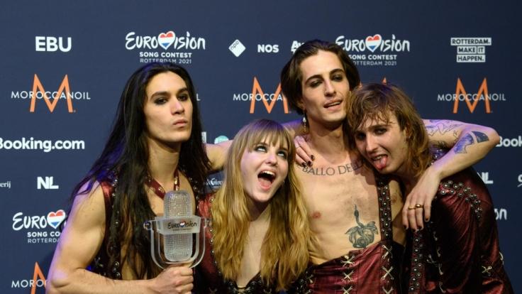 Dem Sänger der ESC-GewinnerMåneskin wird vorgewurfen, live im TV Kokain genommen zu haben? (Foto)