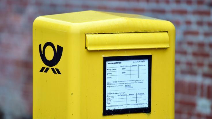 Die Deutsche Post erhöht das Filialporto für Pakete.