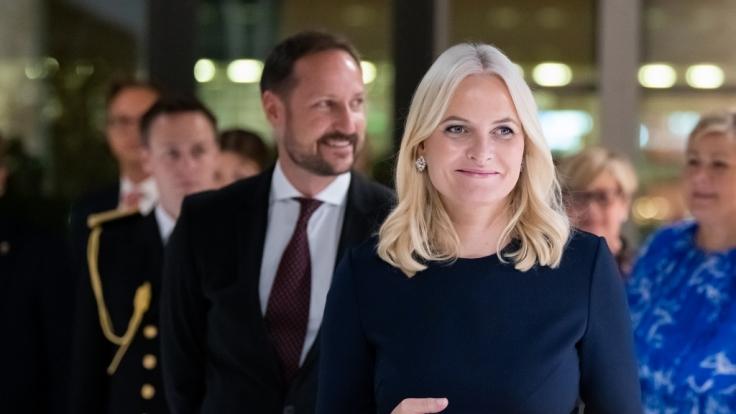 Auf Instagram postete Mette-Marit ein Bild von sich mit ihrem Kronprinzen Haakon.