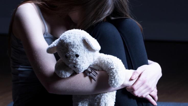 Eine Mutter bestrafte ihre Tochter, weil sie eingenässt hatte. (Foto)