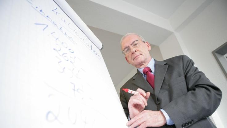Peter Zwegat weiß, wie man seinen Schulden Herr wird. (Foto)