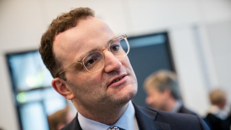 Jens Spahn fordert die Absage von Großveranstaltungen. (Foto)