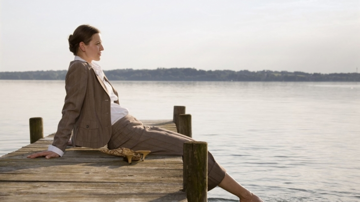 Bei starken Wechseljahresbeschwerden kann eine Hormonbehandlung sinnvoll sein.