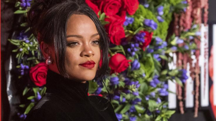 Rihanna zeigt sich in Dessous bei Instagram.