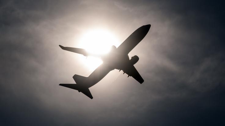 Eine Studie zeigt: Flugzeugbesatzungen erkranken häufiger an verschiedenen Formen von Krebs als der Durchschnitt der Bevölkerung (Symbolbild).