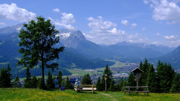 In einem Gebirgsbach unweit von Garmisch-Partenkirchen ist die Leiche eines 25-jährigen Touristen aus den USA gefunden worden (Symbolbild).
