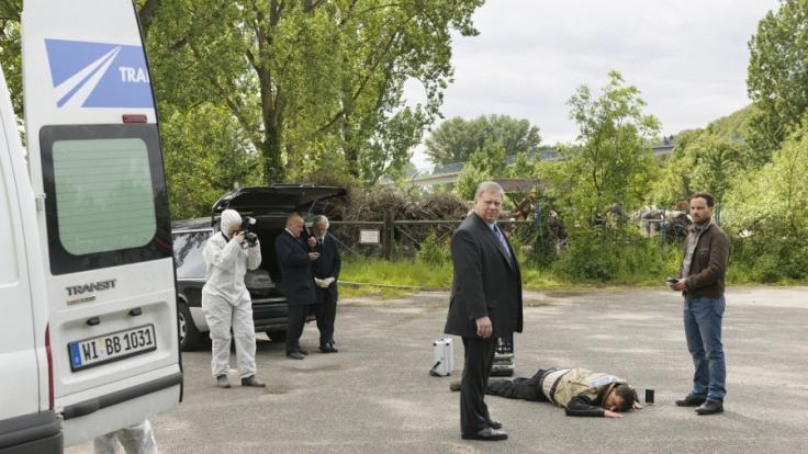 Ein neuer Fall für Staatsanwalt Reuther (Rainer Hunold, M.): Ein Kurierfahrer wurde auf seiner Tour von seinem eigenen Wagen überrollt. (Foto)