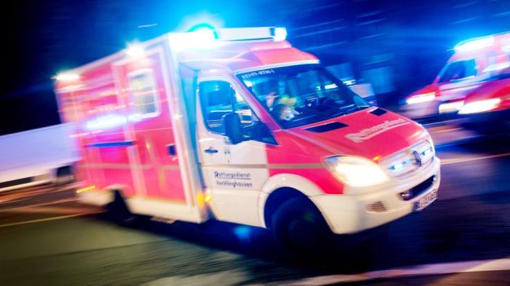 In Pforzheim hat ein Betrunkener einen Krankenwagen gekapert (Symbolbild).