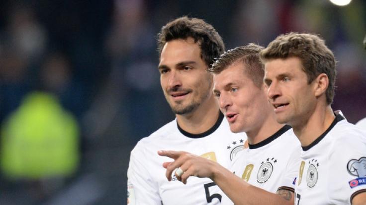 Mats Hummels, Toni Kroos und Thomas Müller trafen in der WM-Qualifikation am Freitag auf Tschechien. (Foto)