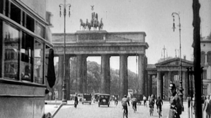 Herbst 1929 - Schatten über Babylon bei Das Erste (Foto)