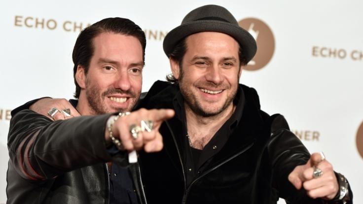 """Alec Völkel (l) und Sascha Vollmer von """"The BossHoss"""" am 26. März 2014 in Berlin beim Echo Charity Dinner. (Foto)"""