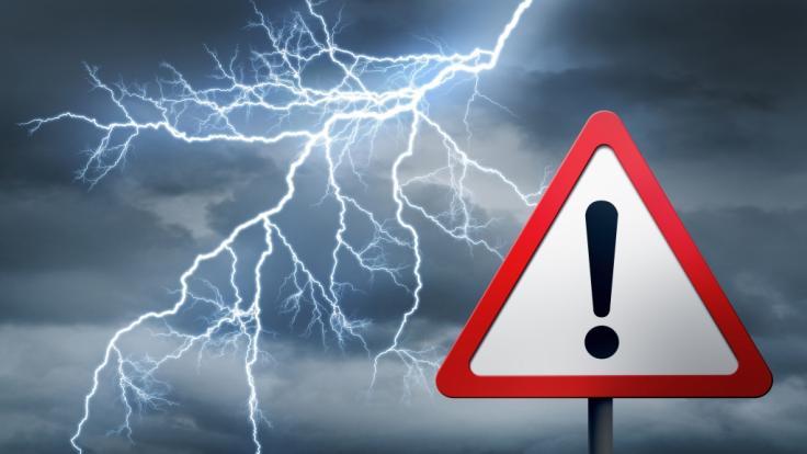 Der Deutsche Wetterdienst warnt aktuell vor schweren Gewittern. (Foto)