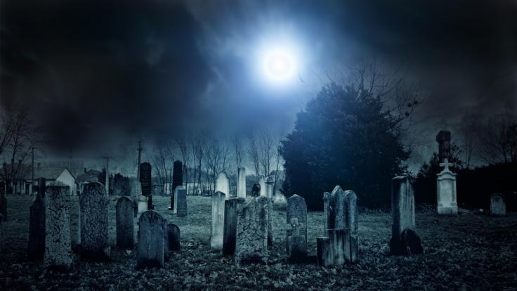 Zwei Jungen wurden auf einem Friedhof vergewaltigt und lebendig begraben. (Symbolfoto) (Foto)
