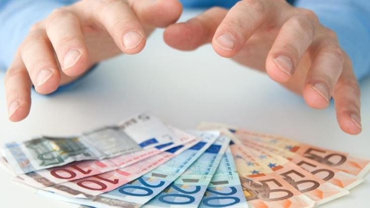 Durch gewisse Kniffe in der Steuererklärung lässt sich ein höherer Netto-Verdienst im Dezember generieren. (Foto)