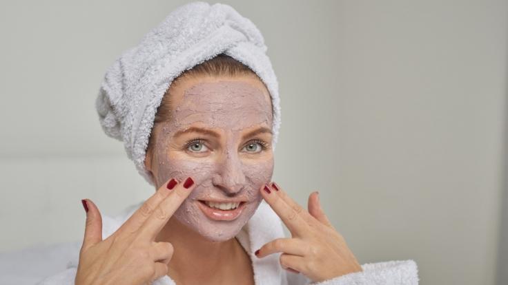 Gesichtsmasken kann man schnell selbst machen. (Foto)