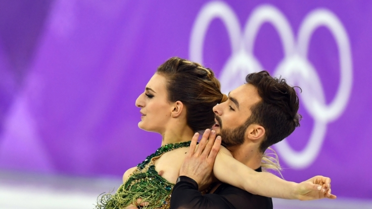 Gleich mehrfach ließ Gabriella Papadakis bei Olympia die Nippel blitzen.