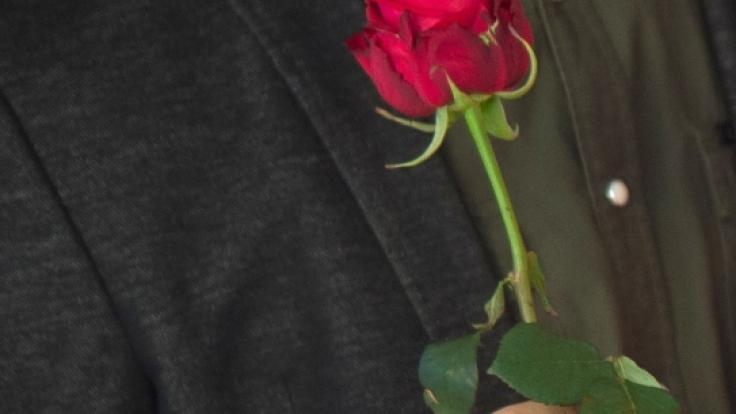 Eine Rose gab es für Yeliz Koc nicht - mit einer Ohrfeige revanchierte sie sich bei Bachelor Daniel Völz. (Foto)