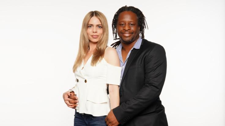 Mola Adebisi mit seiner FreundinAdelina Zilai. (Foto)