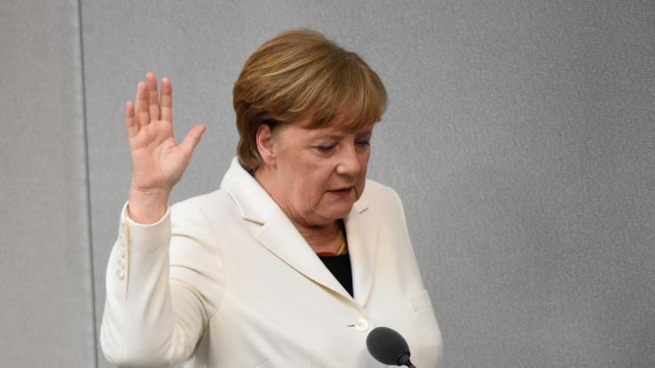 Angela Merkel im Jahr 2018, als sie ihren letzten Amtseid schwört. (Foto)